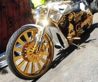 Gold-plated motorcycle – Why not?