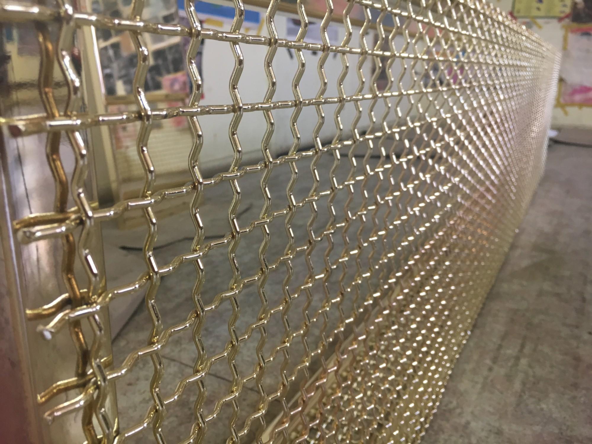 Brass plated aluminium mesh